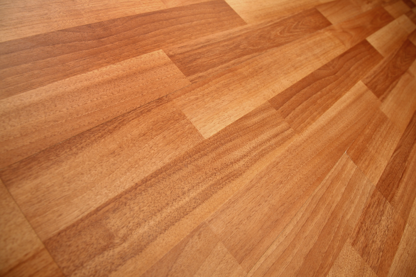Laminate flooring care tips variety flooring ohio for Laminate flooring company
